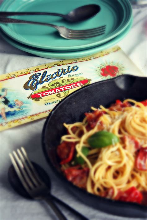 Spaghetti Carbonara with Tomato and Basil | The Burnt Chef