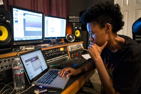 In Music Industry, Women Are Behind the Mic, But Rarely