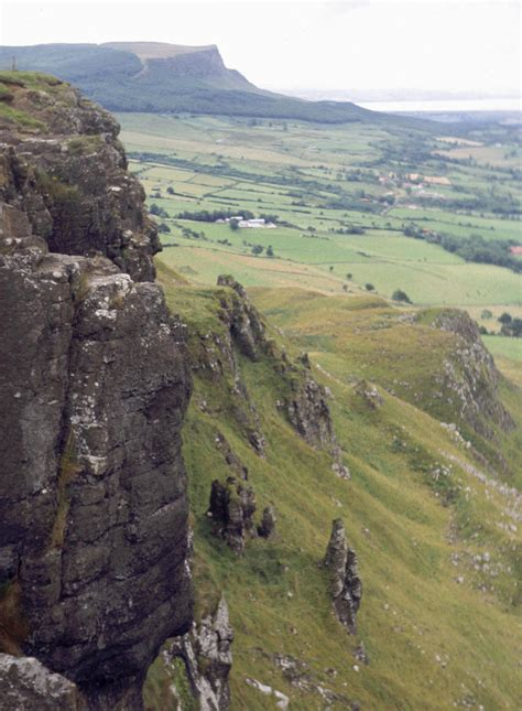 Limavady – Travel guide at Wikivoyage
