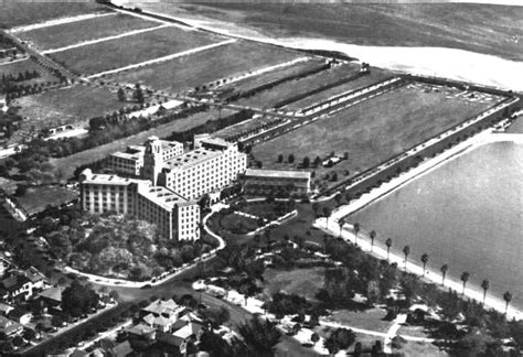 Florida Memory - Aerial view of the Vinoy Park Hotel