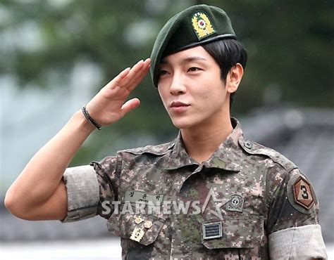 Supernova leader's Yoonhak is back from military service