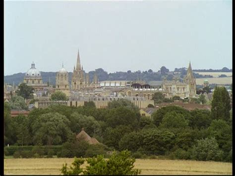 Oxford / Ville / Angleterre | HD Stock Video 590-961-995