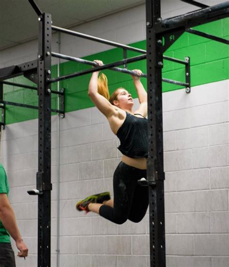 Butterfly Pull-Up Breakdown: The Pull | Invictus Fitness