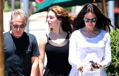 May Benben in Madeleine Stowe And Family Out For Lunch In