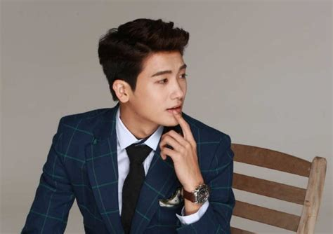 Actor Park Hyung Sik on how his idol group ZE:A are like