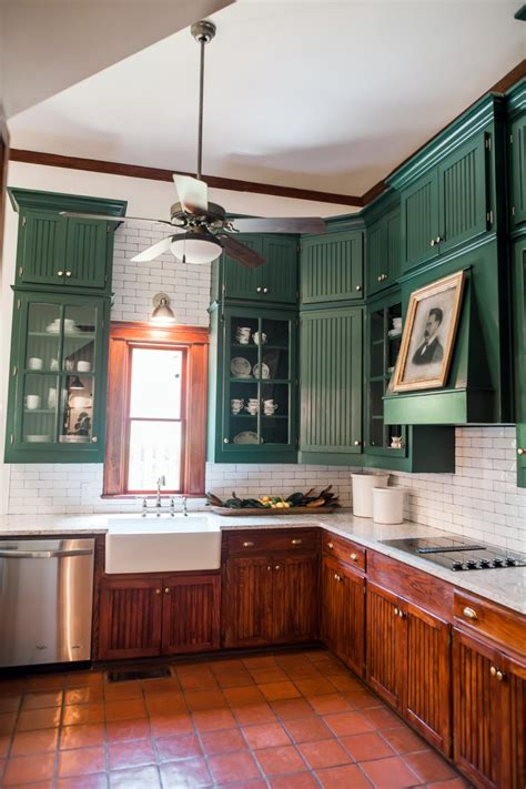 Home Town: A House With History   Home Town   HGTV