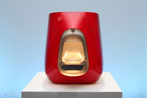 Richard Branson wants to revolutionise water drinking with