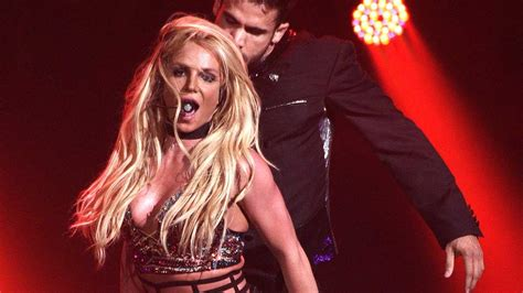 Britney Spears annule tous ses spectacles!